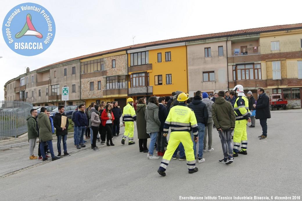 Evacuazione scuola superiore20161